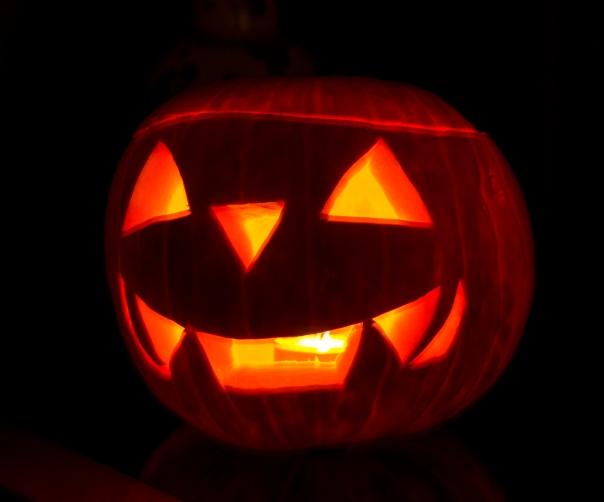 Halloween_Jack-o'-lantern.jpg