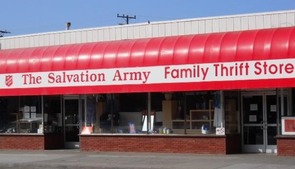 Salvation_Army_Thrift_Store,_Santa_Monica,_CA.JPG