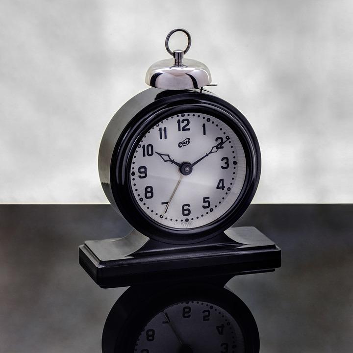 alarm-clock-2831834_960_720